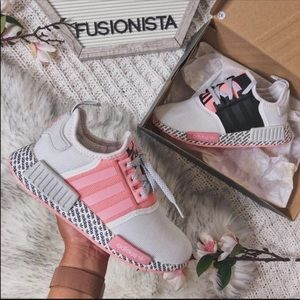 NWT 🍭 Rare Adidas NMD R1 Special Edition Pink